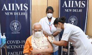 رئيس وزراء الهند يتلقى جرعة ثانية من لقاح كورونا