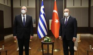 مشادة بين وزيري تركيا واليونان أمام الكاميرات