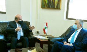 وهبة التقى السفير السوري… وسلّمه مذكرة ودعوة