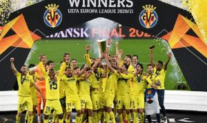 """للمرة الأولى في تاريخه… """"فياريال"""" يتوج بلقب الدوري الأوروبي"""