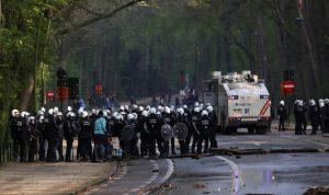 بلجيكا تعتقل 132 شخصا احتجوا على قيود كورونا