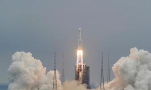 """هذه وجهة الصاروخ الصيني """"التائه""""!"""