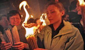 شعلة النور المقدس في دير سيدة البلمند