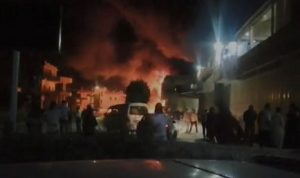 احتراق صهريج محروقات في منطقة وادي خالد (فيديو)