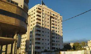 """إسرائيل تستهدف"""" برج مشتهى"""" في غزة (فيديو)"""