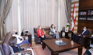 الأوضاع العامة بين الحريري وعدد من السفراء