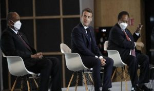 فرنسا تعلن إلغاء ديون السودان