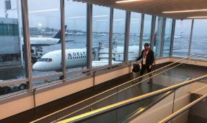 شركات طيران أميركية تعلق رحلاتها إلى إسرائيل