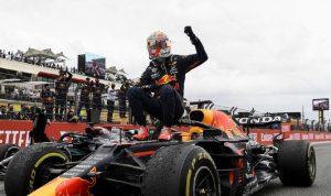 الهولندي فرستابن يتوج بجائزة فرنسا للفورمولا 1