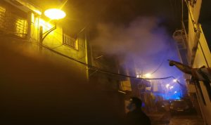 إخماد حريق مبنى الأشرفية… ونقل مصابة إلى المستشفى