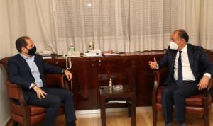 مستجدات المنطقة بين الجميل والسفير التونسي