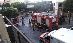 بعد إخلائه… السيطرة على حريق بمبنى في الجميزة