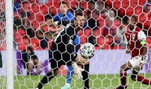 إيطاليا تعزز رقمها القياسي في سلسلة اللاهزيمة
