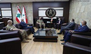 """قائد الجيش استقبل وفداً من """"مفوضية اللاجئين"""""""