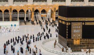 السعودية تعلن عن موعد استقبال المعتمرين