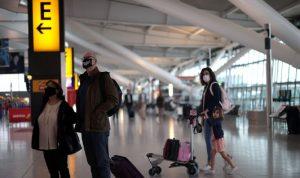 بريطانيا تدرس تخفيف قيود السفر للمحصنين ضد كورونا
