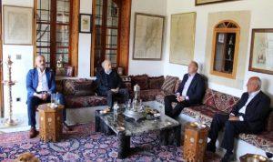 الأوضاع العامة بين جنبلاط والسفير الروسي