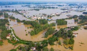 الصين… ارتفاع عدد ضحايا الفيضانات إلى 58 شخصًا