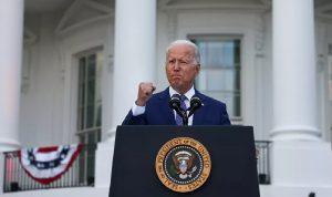 البيت الأبيض: بايدن ناقش تسريع عمليات الإجلاء من أفغانستان