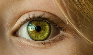 علامات في العين تدل على ارتفاع نسبة الكوليسترول