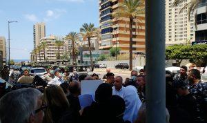 """جلسة """"رفع الحصانات"""": اعتصام وتصعيد لأهالي الضحايا! (فيديو)"""