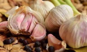 نصائح للتخلص من رائحة البصل والثوم