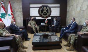 """قائد الجيش استقبل وفدًا من """"مفوضية اللاجئين"""""""