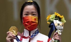 صينية تفوز بأول ذهبية في أولمبياد طوكيو