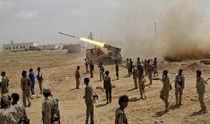 قصف ثكنات حوثية بالحديدة