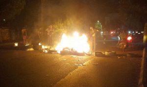 بالصورة- قطع طريق أرزي احتجاجا على انقطاع الكهرباء