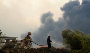 تركيا: اليونان طلبت المساعدة في إخماد الحرائق
