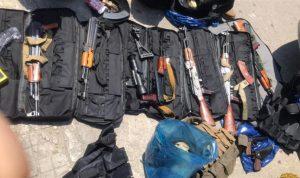 الجيش: توقيف شبان بحوزتهم أسلحة وذخائر
