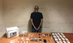بالجرم المشهود… توقيف مروج مخدرات في برج حمود