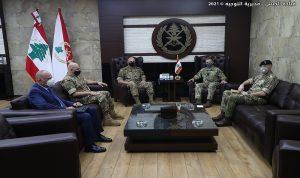 """قائد الجيش استقبل كبير مستشاري """"الدفاع"""" البريطانية"""