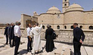 """ماكرون يزور كنيسة """"سيدة الساعة"""" في الموصل"""