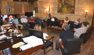 اجتماع في سرايا طرابلس: لمكافحة تخزين المحروقات