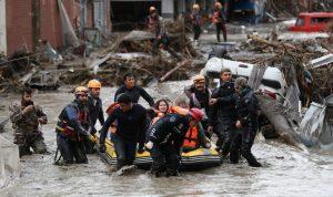 ارتفاع حصيلة ضحايا فيضانات شمال تركيا إلى 40 قتيلا