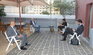 جنبلاط عرض التطورات مع السفيرة الفرنسية
