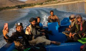 طالبان لعناصرها: أوقفوا التقاط السيلفي!