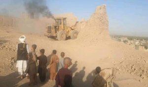 """""""طالبان"""" تدمر حصنا تاريخيا قديما"""