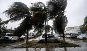 """أميركا… """"سام"""" يتحول إلى إعصار من الفئة الرابعة"""