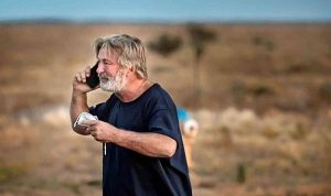 مخرج فيلم أليك بالدوين: حزين للغاية