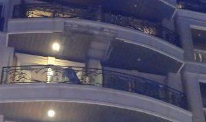 انهيار سقف شرفة بفندق في صور