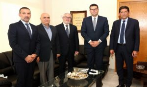 الدكاش: فتح الباب لاستيراد التفاح اللبناني إلى الأردن