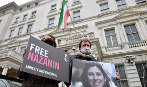 زوج ناشطة بريطانية مسجونة في إيران يضرب عن الطعام