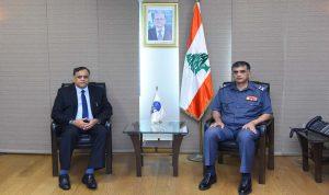 الأوضاع العامة بين عثمان وسفير الهند