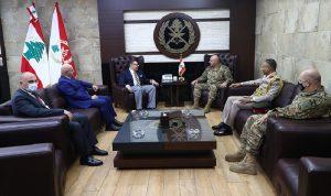 الأوضاع العامة بين قائد الجيش والسفير المصري