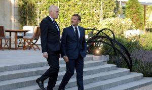 ماكرون وسعيّد يبحثان الوضع في تونس