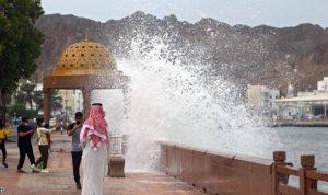 """الإعصار """"شاهين"""" يهدد 6 محافظات في اليمن"""