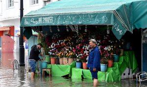 ثلاثة قتلى في فيضانات بتونس